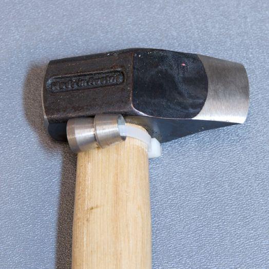 Молоток с клинообразным бойком MUSTAD